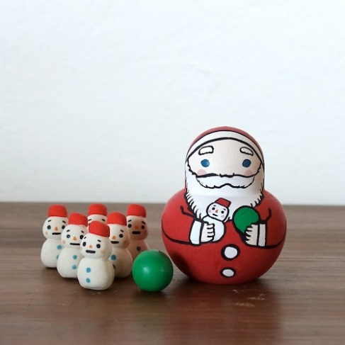 MB-6 サンタボウリングSanta Bowling  Size:7×5×5cm (body) 2.5× 1.3× 1.2cm (bowling pins)/Material: wood, porcelain  ¥5,000+Tax