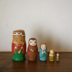MM5-5 Matryoshka 5sets 猿蟹合戦 The Crab and the Monkey  Size:11.5cm/Material: wood  ¥9,500+Tax