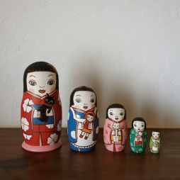 ML5-4-1 Matryoshka 5sets 人形遊び Doll play  Size:16.5cm/Material: wood  ¥18,000+Tax