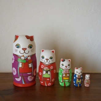 ML5-2 Matryoshka 5sets 雛祭り猫) Matryoshka 5sets Girls Festival cat  Size:16.5cm/Material: wood  ¥18,000+Tax