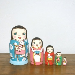 Matryoshka 5sets 人形遊び Doll play  Size:16.5cm/Material: wood  ¥18,000+Tax