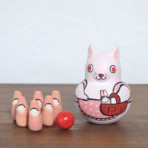 MB-1 うさぎボウリング Rabbit Bowling  Size:7×5×5cm (body) 2.5× 1.2× 1.2cm (bowling pins)/Material: wood, porcelain  ¥5,000+Tax