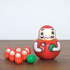 MB-4 だるまボウリング Dharma Bowling  Size:7×5×5cm (body) 2.5× 1.2× 1.2cm (bowling pins)/Material: wood, porcelain  ¥5,000+Tax