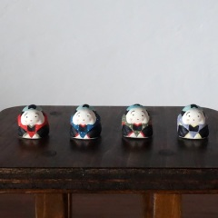 福助さんのフェーブ Feve of Fukusuke  Size:2.0×2.0×1.8cm/Color : red , blue , green , purple/Materials: porcelain  ¥650+Tax  FEVES-46赤 EVES-47青 FEVES-48緑 FEVES-49紫
