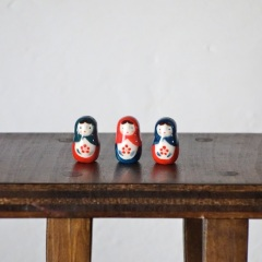 マトリョーシカのフェーブ  Feve of Matryoshka  Size:1.0×1.0×2.0cm/Color:green,red,blue/Materials:porcelain/glossy type  ¥700+Tax  FEVES-78G緑 FEVES-78R赤 FEVES-78B青