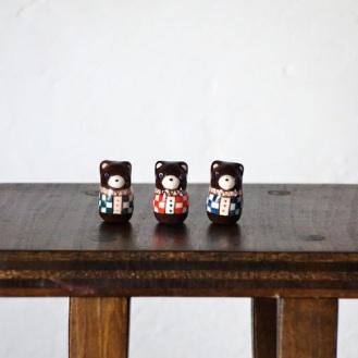 クマのフェーブ  Feve of Bear  Size:1.0×1.0×2.0cm/Color:green,red,blue/Materials:porcelain/glossy type  ¥800+Tax  FEVES-77G緑 FEVES-77R赤 FEVES-77B青