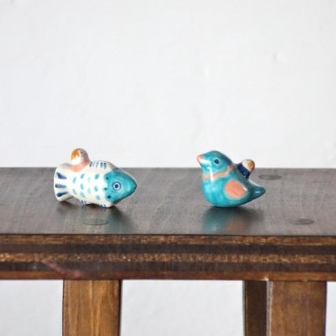 サカナのフェーブ  Feve of Fish  トリのフェーブ  Feve of Bird    Size:1.2×3×2.0cm(fish) 2.5×1.3×2.0cm(bird)/Materials:porcelain/glossy type  ¥800+Tax  FEVES-79サカナ FEVES-80トリ