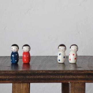 水玉こけしのフェーブ  Feve of Polka dot Kokeshi  Size:1.0×1.0×2.2cm/Color:red,blue, white red, white blue/Materials:porcelain/glossy type  ¥700+Tax  FEVES-84R赤地に白水玉 FEVES-84B  青地に白水玉 FEVES-84WR白地に赤水玉 FEVES-84WB白地に青水玉