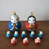MH-1 雛 Hinadoll  Size:Size:H7.5cm (body) 2.3× 1.7× 1.7cm (feves)/Material: wood , metal , stone powder clay,porcelain  ¥11,000+Tax