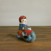 BELL-18 自転車に乗った男の子土鈴 Claybell of Boy riding a bicycle