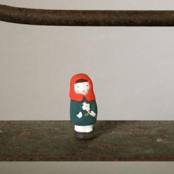花売り娘のフェーブ Feve flower girl  Size:1.2×1.2×3cm/Materials:porcelain  ¥800+Tax  FEVES-74