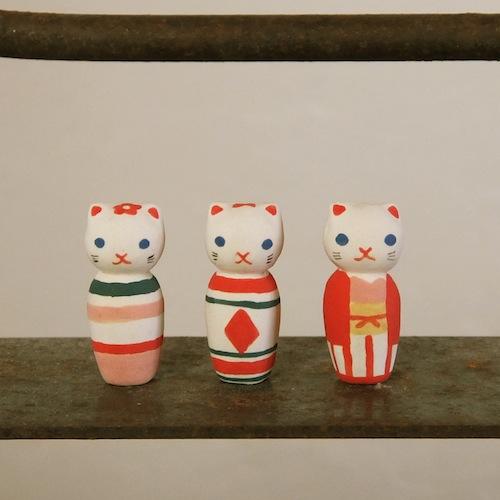 ねこけしのフェーブ Feve of Cat kokeshi  Size:各2.8×1.3×1.3cm/Color: stripe , diamond , kimono/Materials: porcelain  ¥600+Tax  FEVES-31ストライプ FEVES-32ダイヤ FEVES-33キモノ