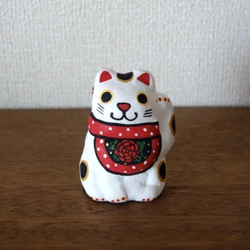 BELL-31b(牡丹) 前掛け招き猫土鈴 Claybell of aproned Lucky Cat